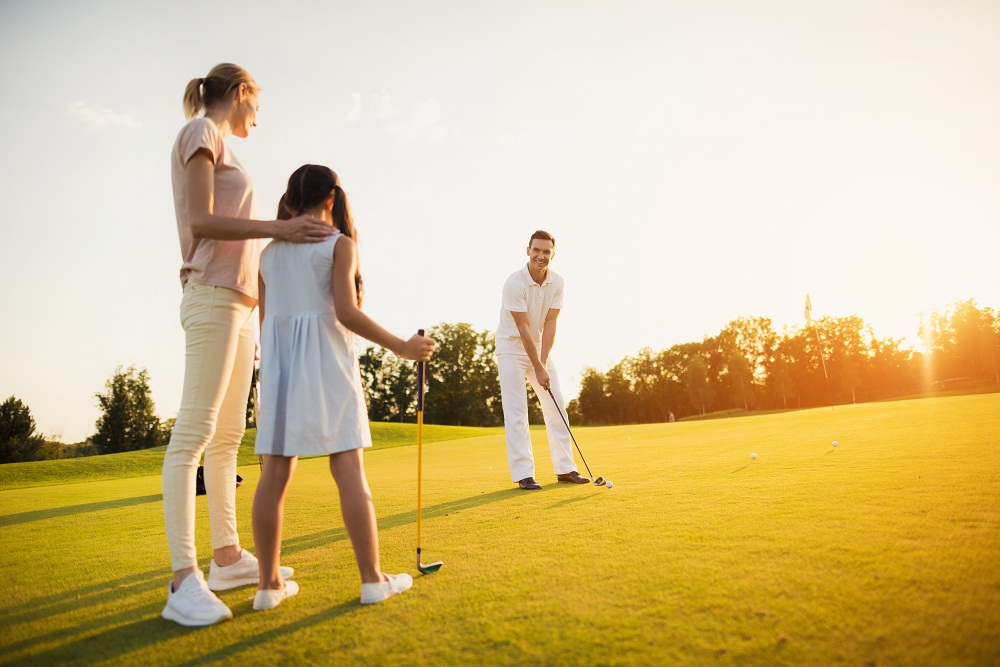Learn How to Play Golf the Right Way