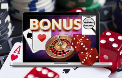 How many different types of online gaming industry offer bonus?